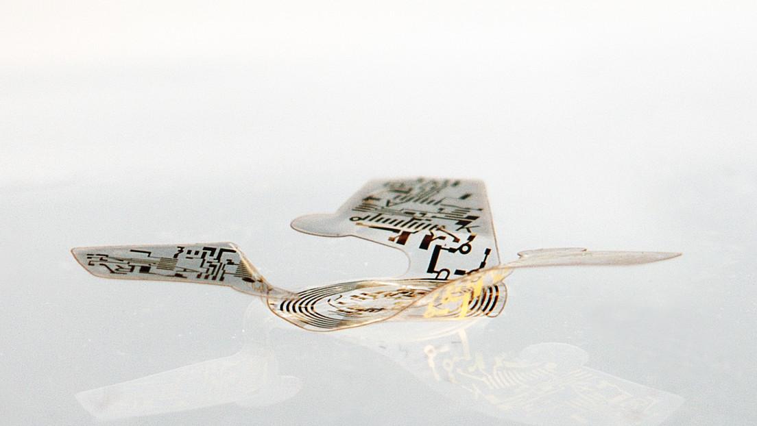 La estructura voladora más pequeña jamás creada por el hombre: construyen un microchip de casi el mismo tamaño que un grano de arena