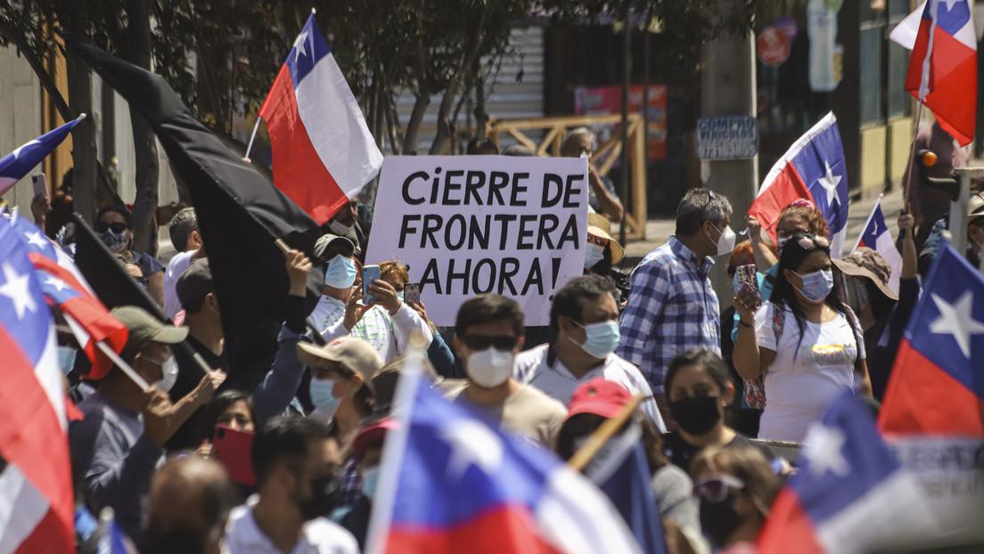 Cómo el ataque a un campamento de venezolanos reveló las dificultades que padecen los migrantes en Chile (y por qué impacta en las presidenciales)