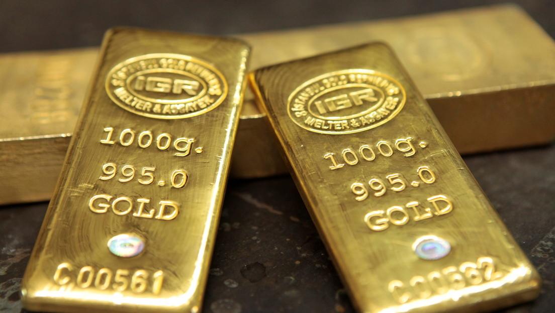 Detienen a un hombre en la India que intentó llevar de contrabando casi un kilo de pasta de oro escondida en el recto (FOTOS)