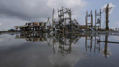 Más de 715.000 casas siguen sin electricidad en Luisiana debido al paso del huracán Ida