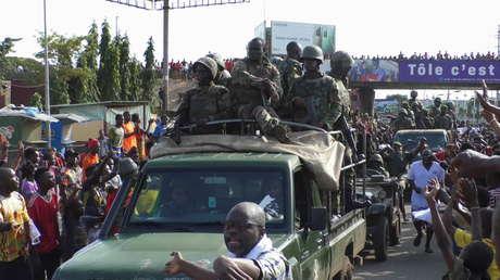 Las fuerzas especiales de Guinea confirman el golpe de Estado en el país y la detención del presidente