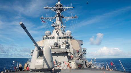China anuncia la expulsión de un destructor de misiles guiados de EE.UU. que pasó por el mar de la China Meridional sin autorización