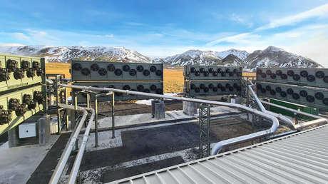La planta más grande del mundo que elimina dióxido de carbono del aire comienza a funcionar en Islandia