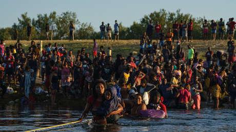 """""""Basta de discursos, hace falta acción"""": El contundente llamado de López Obrador para atender la crisis migratoria en la frontera con EE.UU."""
