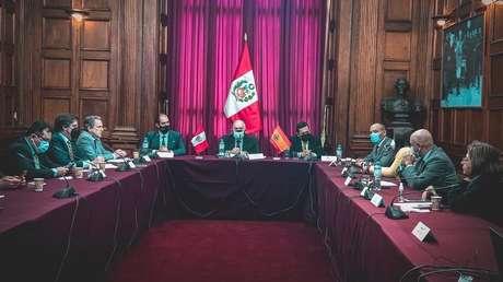 La 'cruzada' de la ultraderecha española llega a Perú: Congresistas investigados por sedición contra Castillo reciben a una comitiva de VOX