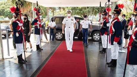 """El jefe del Comando Sur de EE.UU. asegura que Venezuela es un """"abrigo seguro para el narcotráfico"""" durante su visita a Brasil"""