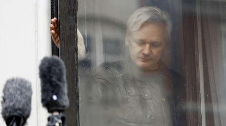 """""""No parecía haber límites"""": La CIA habría planeado secuestrar a Julian Assange de la Embajada de Ecuador en Londres y asesinarlo, revela un informe"""
