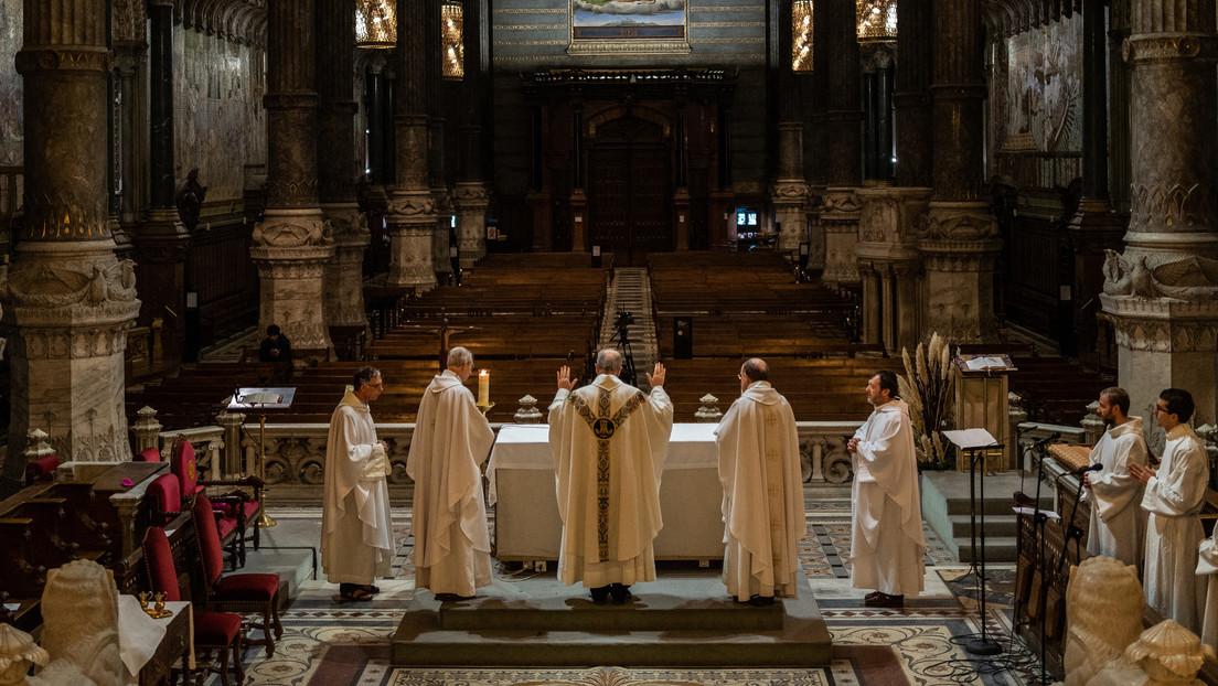 """""""El mal más absoluto"""": Una investigación identifica hasta 3.200 sacerdotes pederastas desde 1950 dentro de la Iglesia católica francesa"""