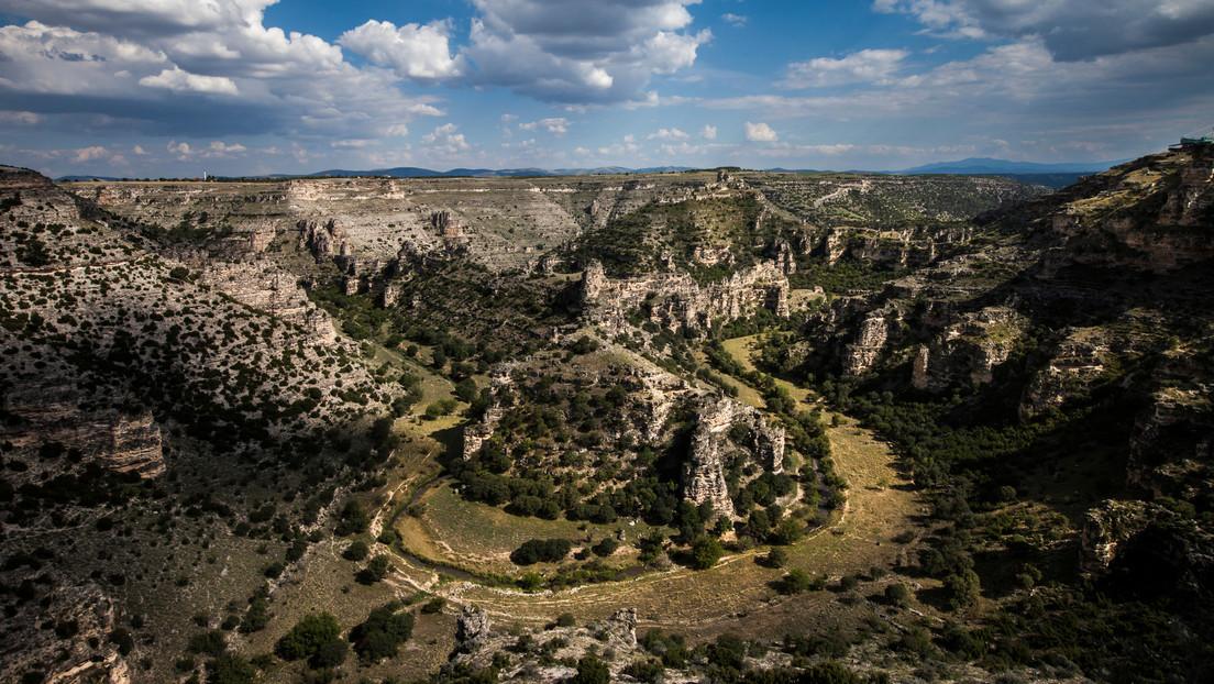 Descubren en Turquía 400 tumbas excavadas en roca de 1.800 años de antigüedad