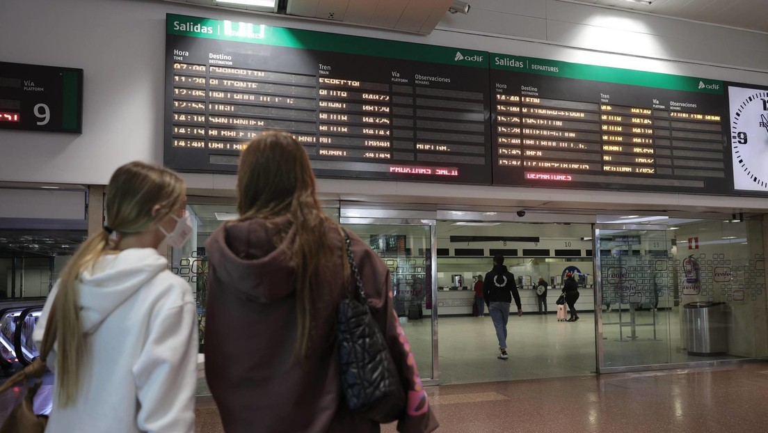 Caos y malestar entre pasajeros de España por la huelga nacional de maquinistas