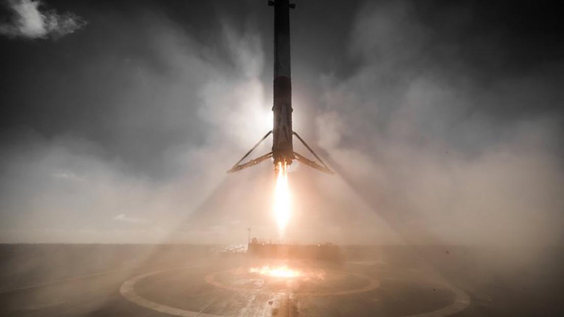 """Elon Musk afirma que se """"muere de ganas"""" de crear un avión supersónico eléctrico de despegue y aterrizaje vertical"""