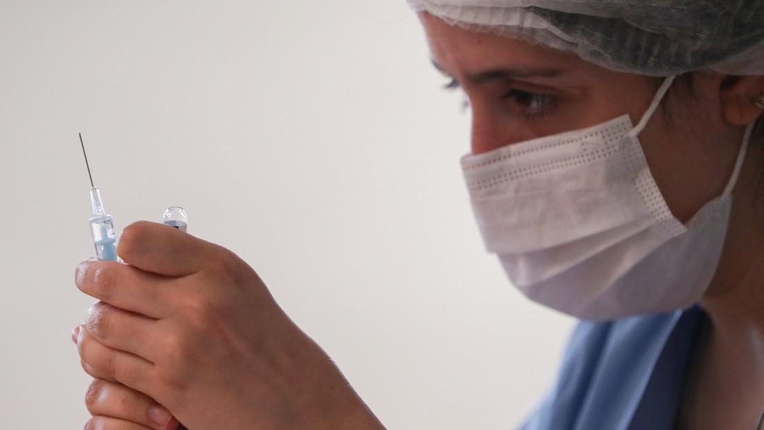 La OMS podría aprobar la vacuna rusa Sputnik V este año, revela la científica jefe del organismo