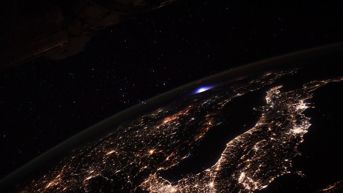 """Un acontecimiento muy raro"""": Astronauta muestra cómo se ve un trueno con """"un  evento luminoso transitorio"""" desde el espacio - RT"""