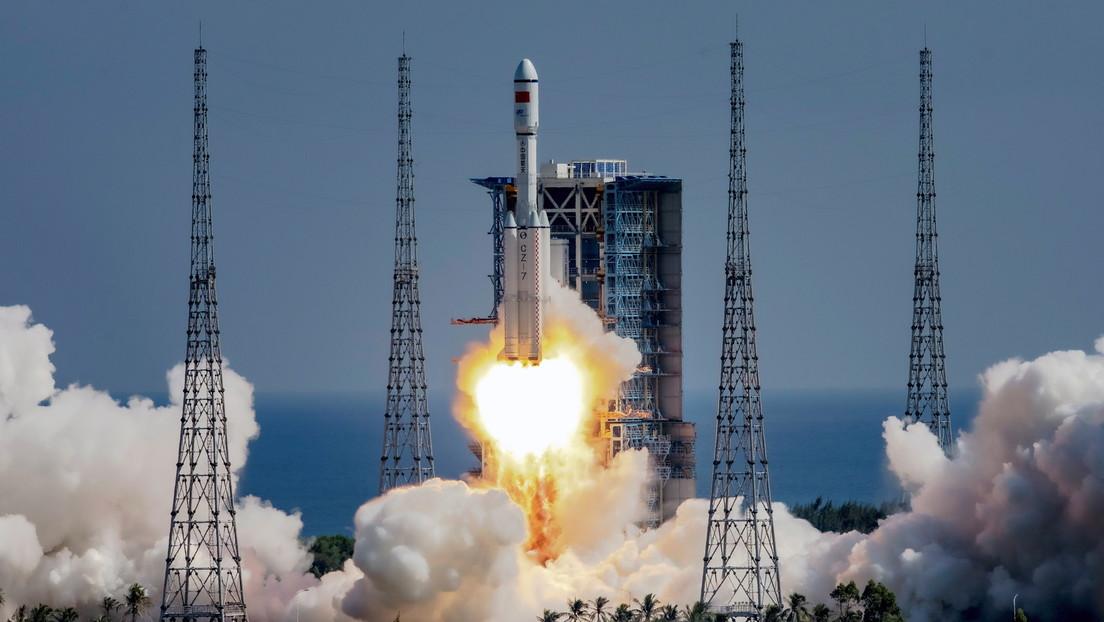 China lanza su primer satélite de exploración solar (VIDEO)
