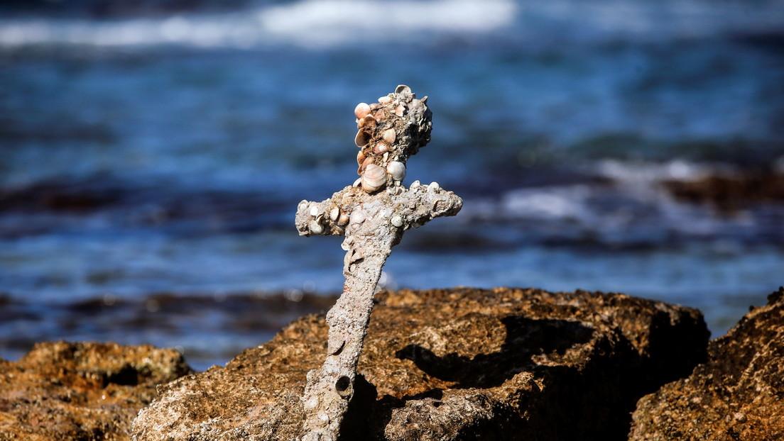 Recupera del fondo marino israelí una espada de un cruzado, que navegó a Tierra Santa hace unos 900 años (FOTOS, VIDEO)