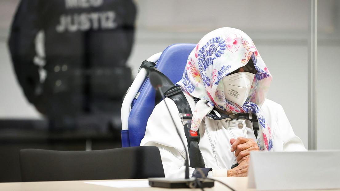 Inicia el juicio contra la exsecretaria nazi de 96 años, acusada de complicidad en más de 11.000 asesinatos, que escapó de la primera audiencia
