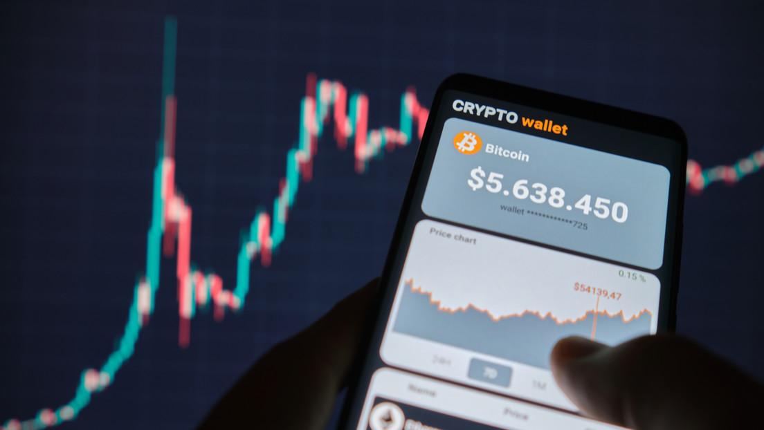 Vaticinan que el precio del bitcóin crecerá hasta 168.000 dólares después de que el primer fondo de futuros de la criptomoneda comience a cotizar