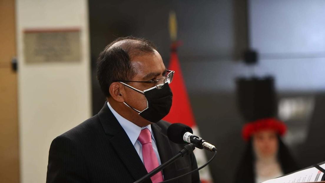 """El ministro de Interior de Perú desata la polémica tras afirmar que la hoja de coca es el """"principal insumo"""" de la Coca Cola"""