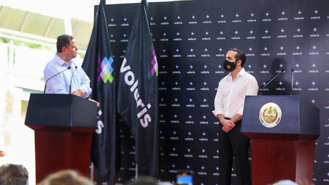 La aerolínea de bajo costo Volaris inicia operaciones en El Salvador y anuncia que aceptará bitcóins como forma de pago