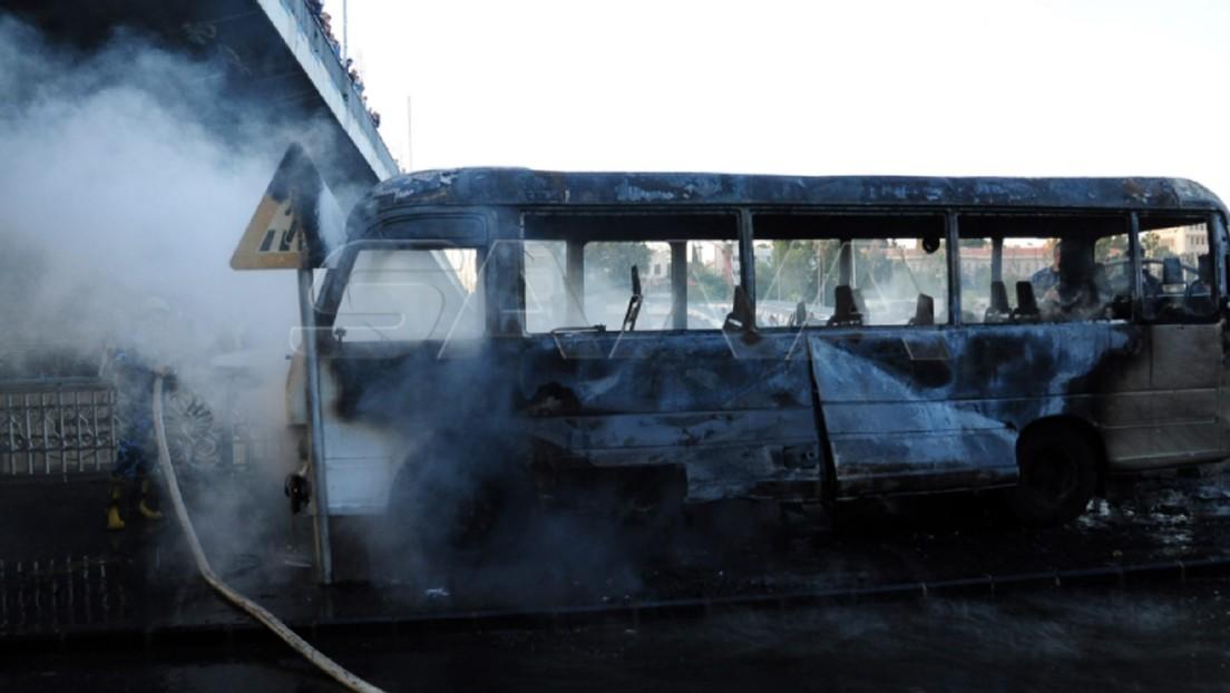 Ataque terrorista contra un autobús militar deja 14 muertos en Damasco