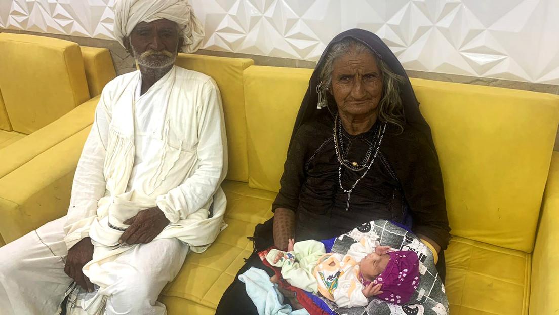 India afirma haber dado a luz a su primer bebé a los 70 años, lo que la convertiría en una de las madres primerizas más longevas del mundo