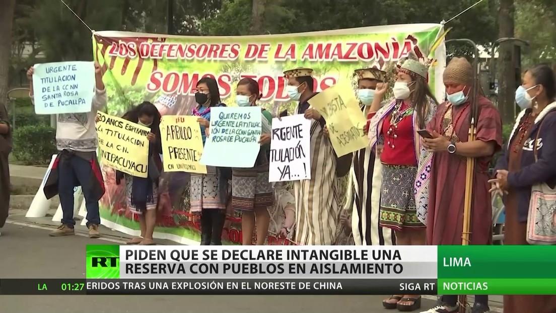 Indígenas peruanos piden que se declare intangible una reserva amazónica con pueblos en aislamiento