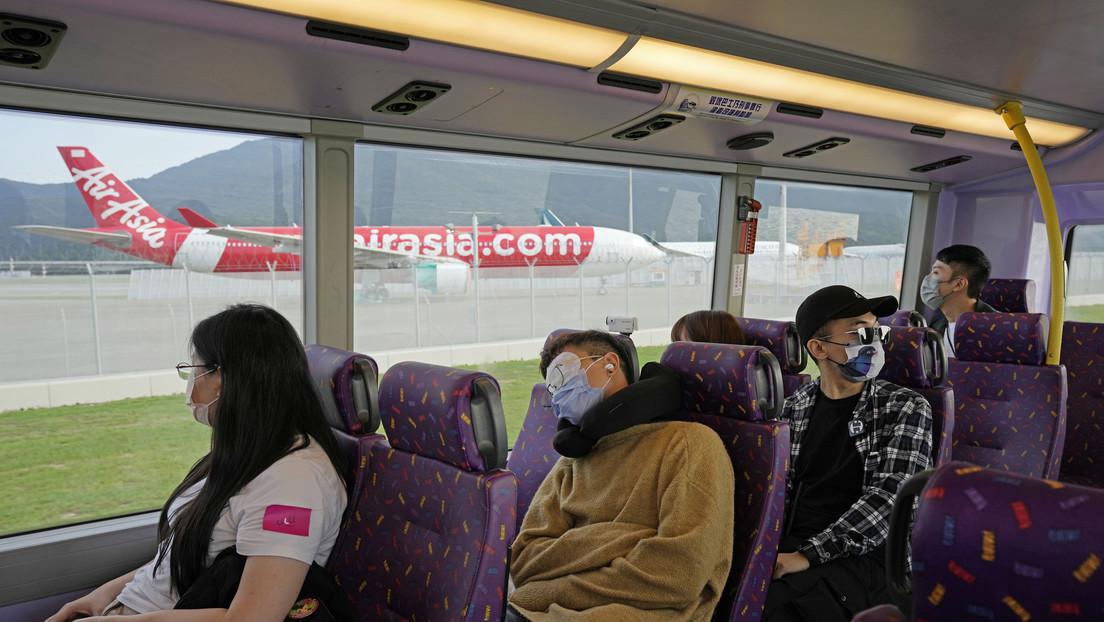Ofrecen en Hong Kong excursiones para dormir en un autobús para quienes tienen problemas para conciliar el sueño