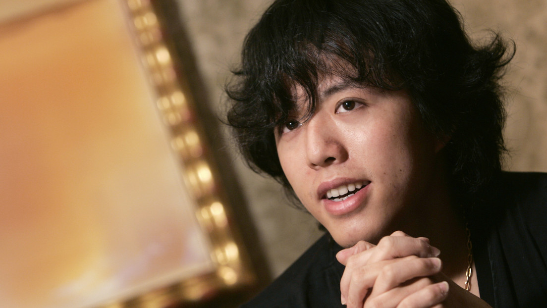 El famoso pianista chino Li Yundi es detenido por solicitar prostitución, poniendo en riesgo su carrera y lucrativos contratos publicitarios