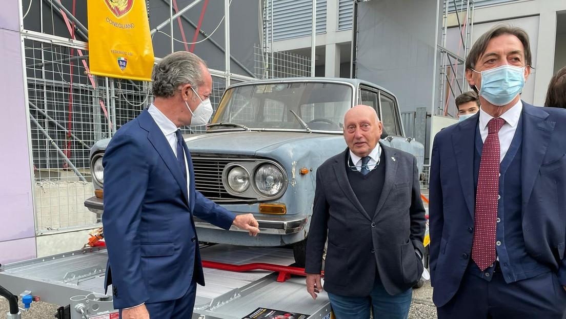 Retiran en Italia un vehículo que llevaba 47 años estacionado en el mismo lugar y que se convirtió en un símbolo local