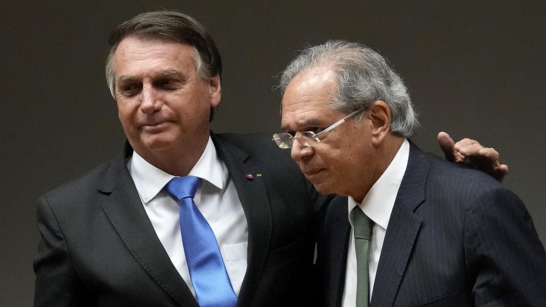 """""""Confianza absoluta"""": Bolsonaro ratifica al ministro de Economía Paulo Guedes e insiste en flexibilizar el gasto fiscal en 2022, año de elecciones"""