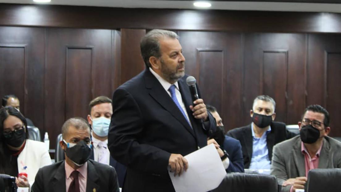 El jefe de la delegación del Parlamento de Venezuela explica por qué es necesaria la normalización de relaciones con Colombia
