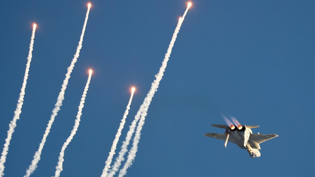 Un avión israelí ataca las posiciones de militares sirios a 40 kilómetros de Damasco