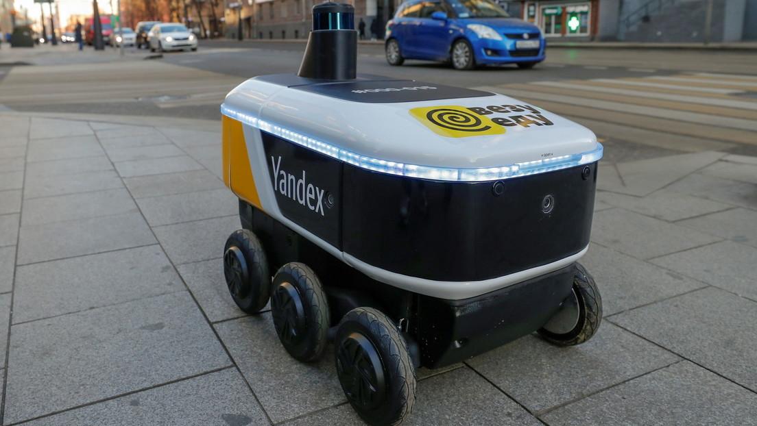 VIDEO: El servicio de correos de Rusia empieza a utilizar robots para repartir paquetes por Moscú