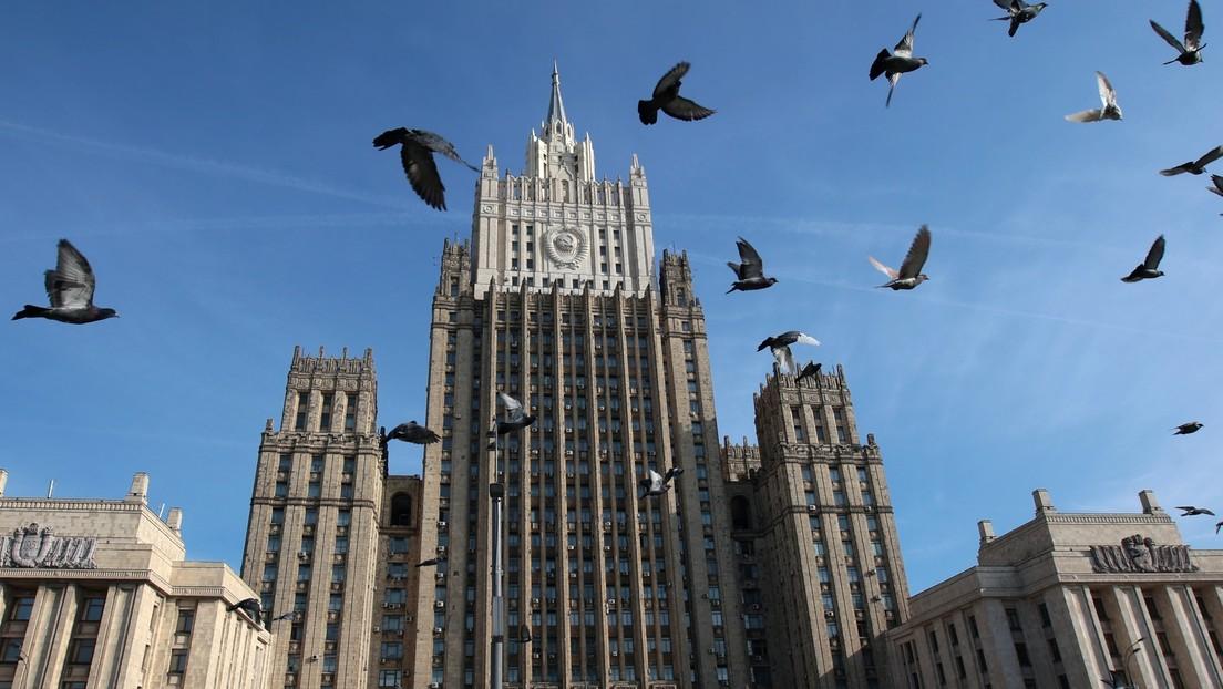 """Moscú califica de """"absolutamente inaceptables"""" las declaraciones de la jefa de Defensa alemana sobre la disuasión nuclear de Rusia"""