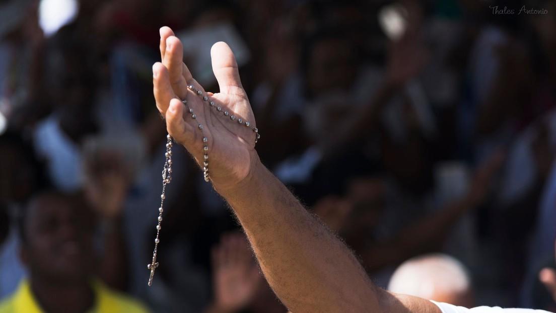 Una multitud aguarda en Brasil la resurrección de un pastor que dejó escrito que volvería a la vida a los tres días de su muerte