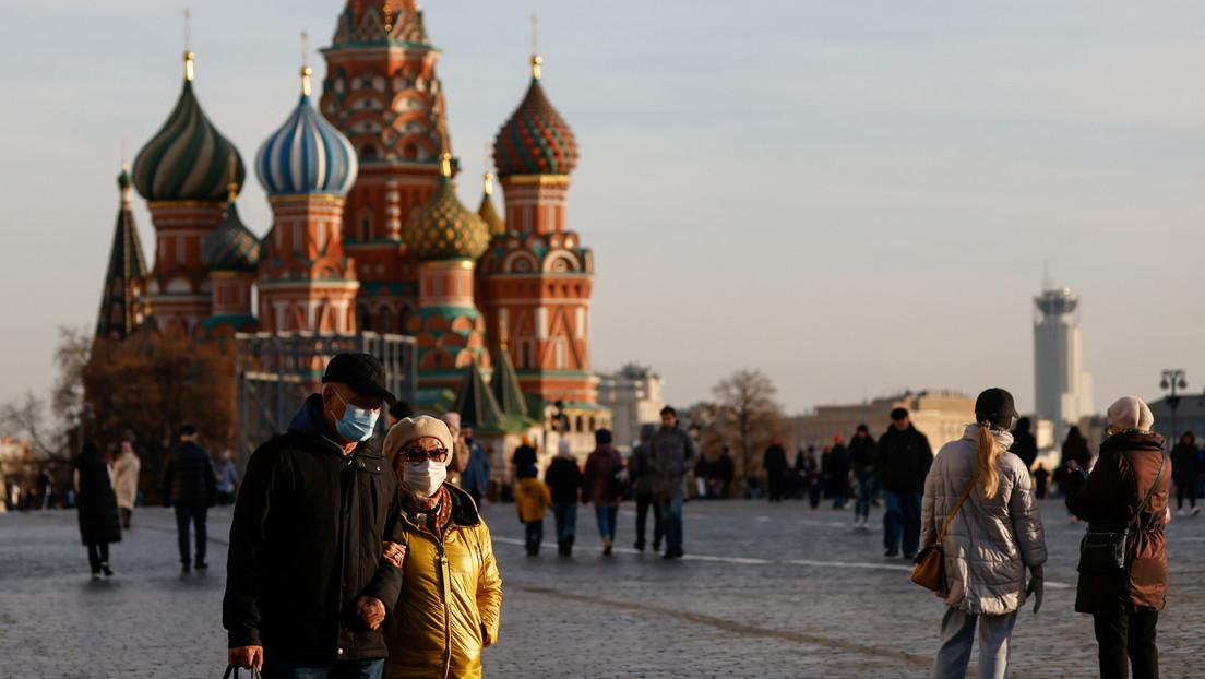 Moscú impone las mayores restricciones desde junio de 2020 ante los récords de casos de covid-19 en Rusia