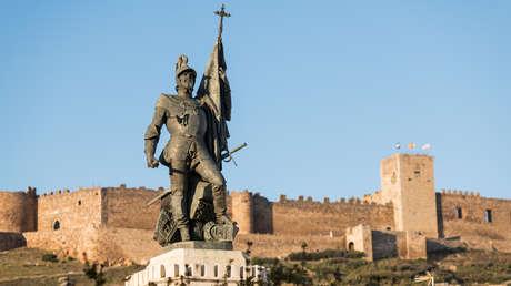 Vox plantea en el Congreso español que se realicen homenajes al conquistador Hernán Cortés y pide que México mejore su sepulcro