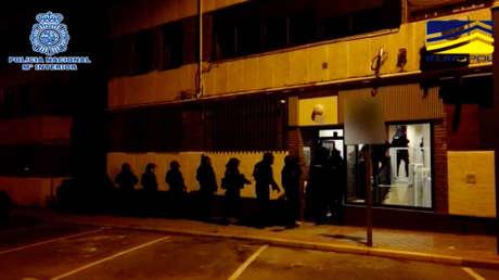 Detienen a cinco presuntos miembros de una célula yihadista en Madrid y Barcelona que estaban preparados para cometer un atentado