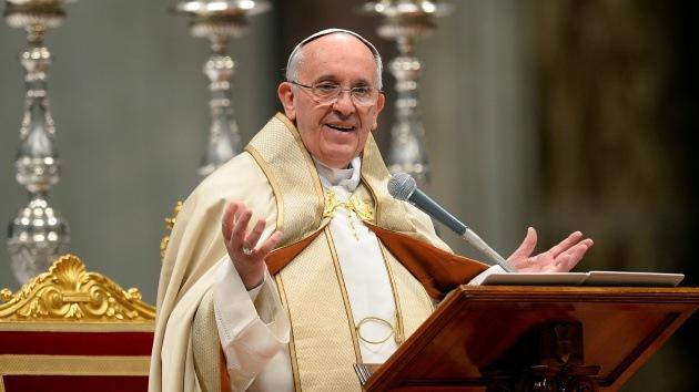 """El papa tacha el capitalismo de """"nueva tiranía"""" y cree que """"no compartir, es robar"""""""