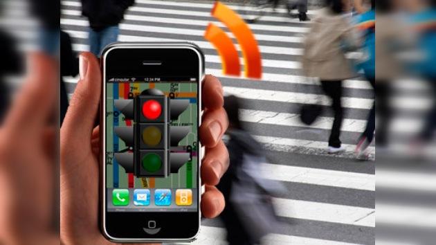 iPhone da la mano a los ciegos para cruzar la calle