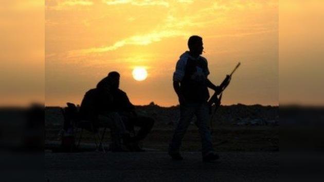 Descubren la presencia de asesores occidentales entre las fuerzas rebeldes en Libia