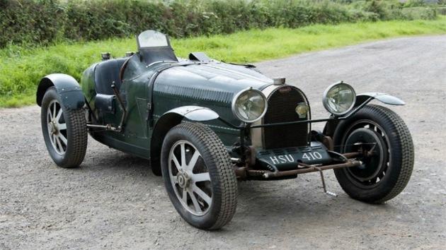 400.000 dólares por una réplica de Bugatti olvidada bajo la basura