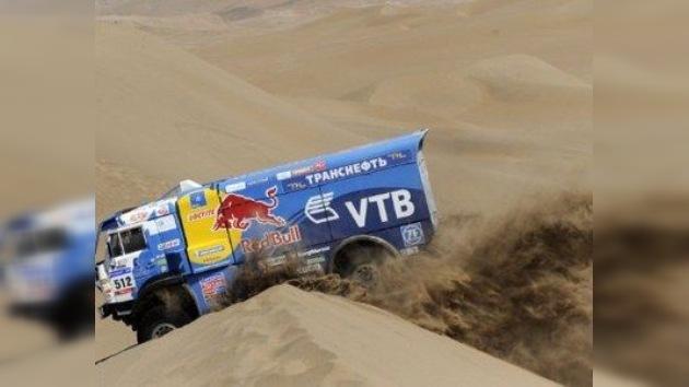 Un ruso acaba segundo en la prueba de camiones del Dakar