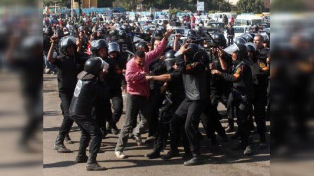 Enfrentamientos en El Cairo se saldan con dos muertos y centenares de heridos
