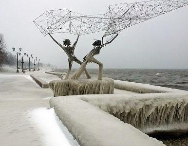El final del otoño se cubre de hielo en el norte ruso