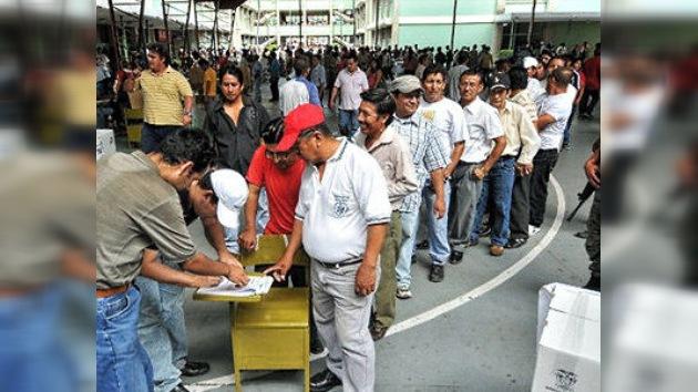 """Referéndum ecuatoriano: """"poner orden en el sistema de justicia"""""""