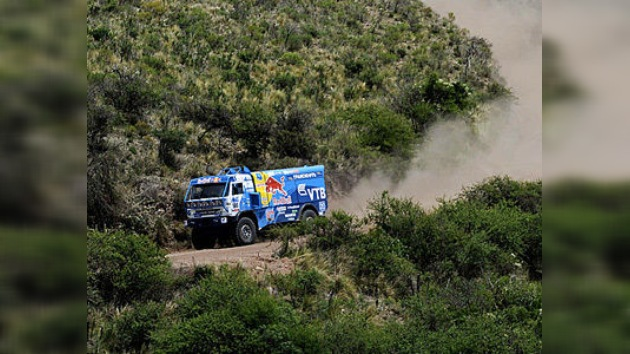 El favorito del Dakar, Vladímir Chaguin, quinto en la segunda etapa