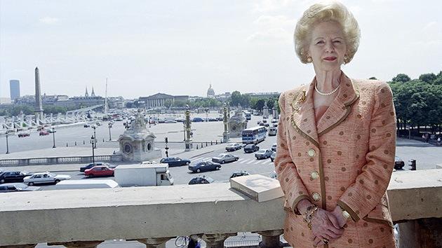Christie's revuelve el armario de Thatcher: subastan siete trajes de 'la dama de hierro'