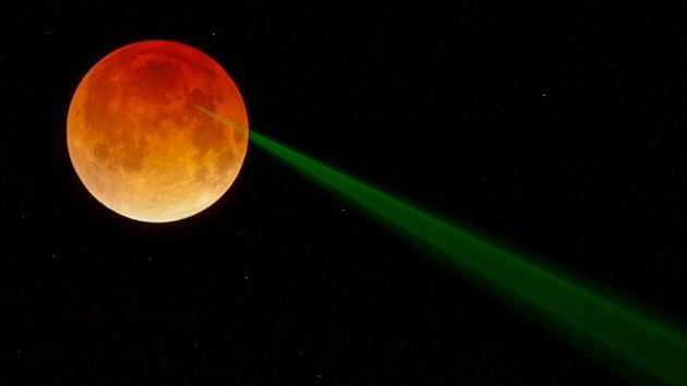 La NASA publica una foto de la luna sangrante digna de la ciencia ficción