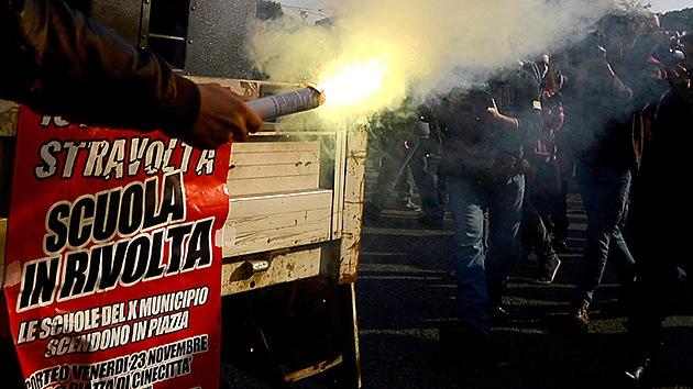 Las marchas 'incendian' Roma por los cuatro costados